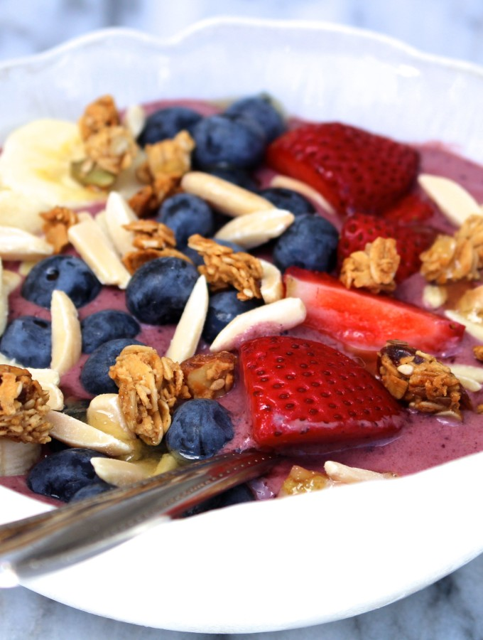 Frosty Acai Breakfast Bowl